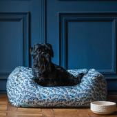 #black and #blue for highland #waiting fordinner @casa__lopez  #dogbeds #dogfoodbowl #dogwaterbowl